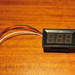 Mini voltmeter