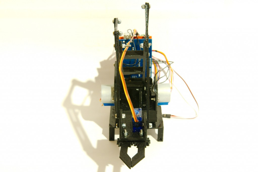 Stepper robot arm front view